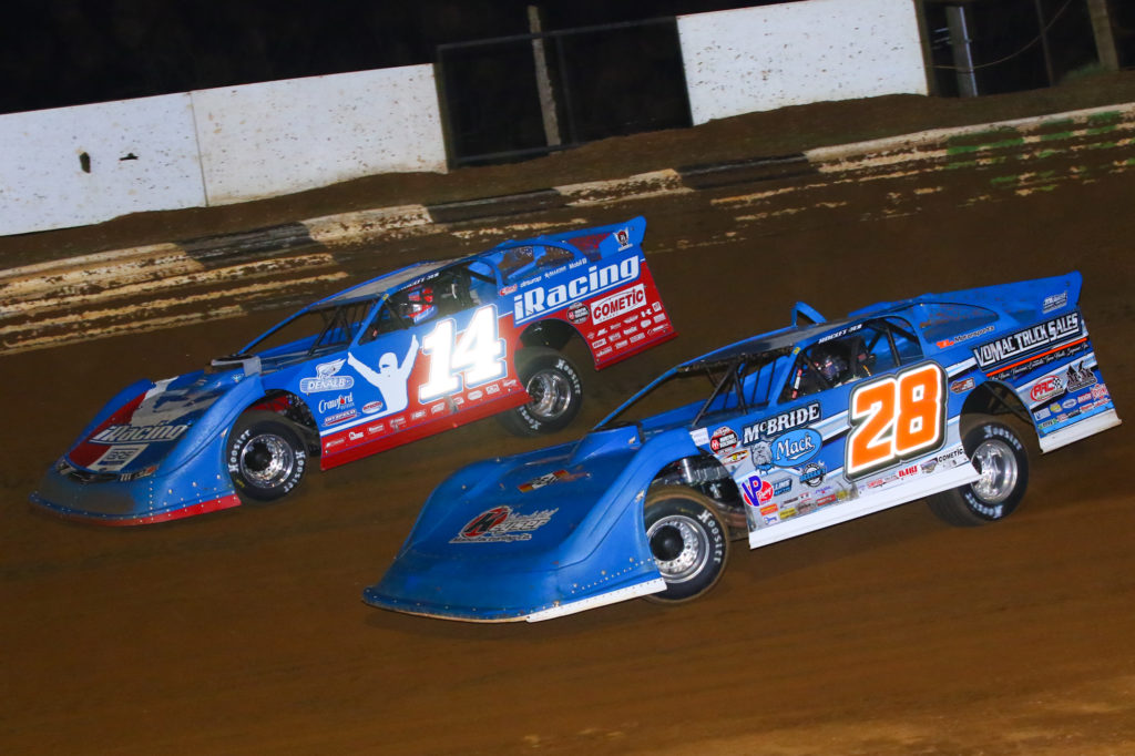 Josh Richards Challenged by Dennis Erb Jr. at Duck River Raceway, Friday, March 6, 2020